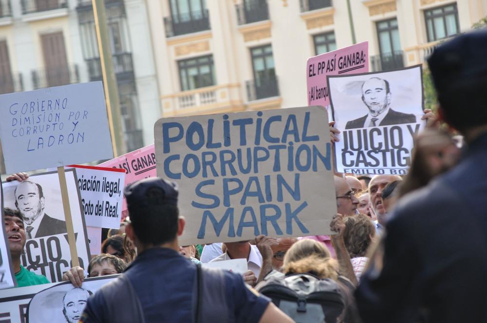 'Barbacoa de chorizos' contra el PP – Reportaje