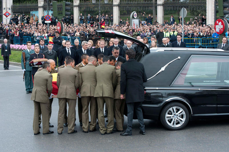 funeral-suarez-cibeles-20