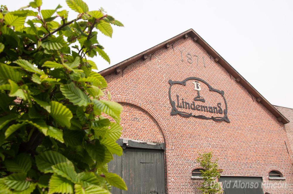 La fachada de la centenaria cervecería Lindemans. ©David Alonso RIncón